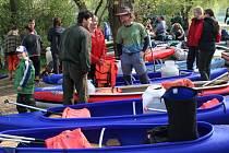 Obětí víkendových krádeží se stal také vodák, který v Poříčí nad Sázavou nechal v lodi své peníze a doklady bez dozoru. Ilustrační foto.