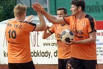 Jediný set v utkání s Karlovými Vary uhrála Šacungu trojice Michala Nepodala, Františka Kalase a Stanislava Voltra ml.