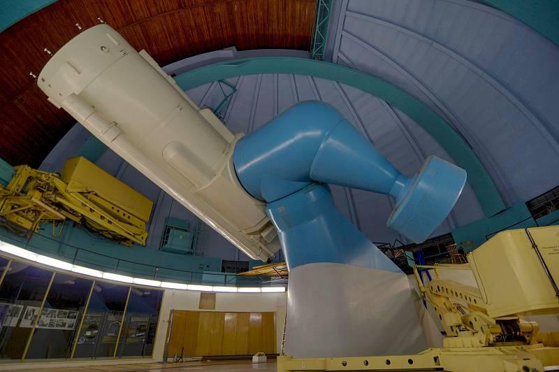 Perkův dvoumetrový dalekohled - největší dalekohled v České republice umístěný na observatoři v Ondřejově, který se podílí na výzkumu extrasolárních planet (exoplanet)