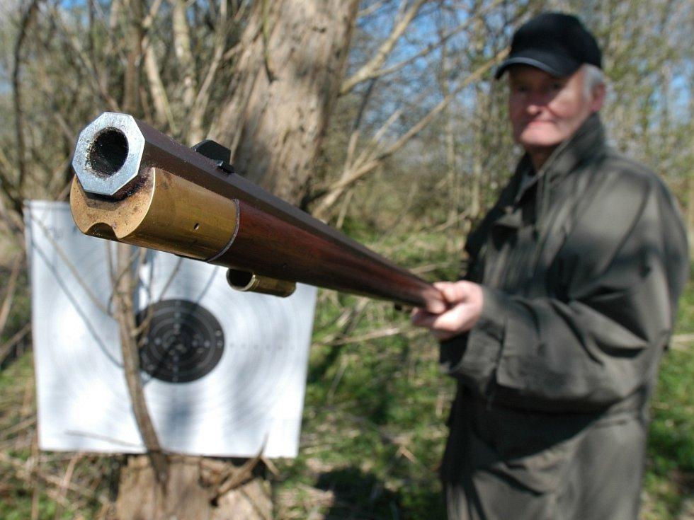 Střelnici na Kavčíně už policisté nevyužívají. Střílí tam jen hobby střelci.