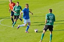 Peter Grajciar (v modrém) vstřelil s Karvinou vyrovnávající gól.