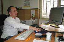 Šéf benešovských kriminalistů Pavel Mareš pracuje stále častěji s osobním počítačem