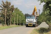 Bulharská firma práce nepřerušila práce v Podmračí ani v neděli 23. srpna.