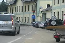 V úseku parkoviště v Táborských kasárnách  - prodejna pivovaru byla v úterý 5. října vyznačená třicíctka.