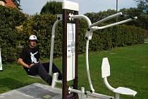 K akci Move week se na cvičících strojích u zimního stadionu objevilo pouze několik málo seniorů.