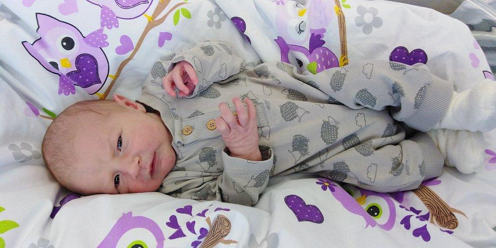 Tadeáš Kodeš se poprvé rozkřičel 11. února 2021 ve 12. 56 hodin v čáslavské porodnici. Vážil 3950 gramů a měřil 50 centimetrů. Domů na Horky si ho odvezli maminka Jana a tatínek Jiří.