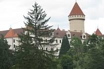 Příjezd na centrální parkoviště u Konopiště bude od pondělí 27. června do 27. července možný jen od Benešova nebo kolem drůbežárny Mydlářka.
