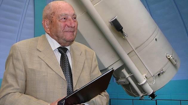 Stálice české i světové astronomie Luboš Perek.