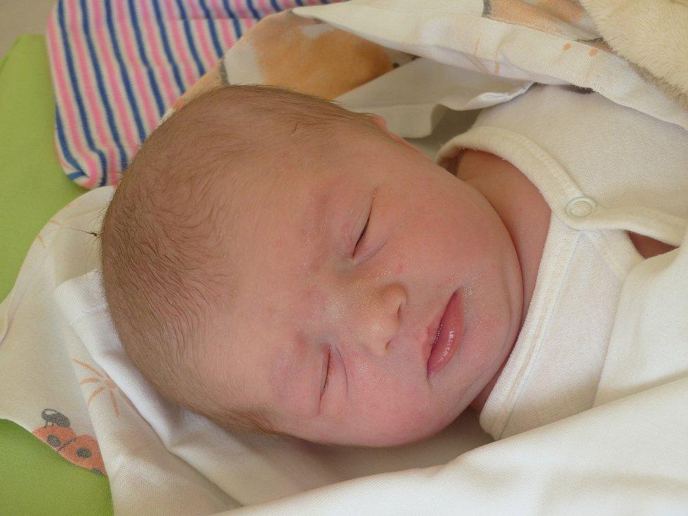 Kateřina Březinová se narodila 4. dubna 2021 v kolínské porodnici, vážila 3505 g a měřila 50 cm. V Žiželicích ji přivítali sourozenci Filip (11), Aneta (8) a rodiče Klára a Tomáš.