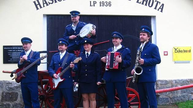 Čejka band natáčel videoklip z hymně prosenických hasičů