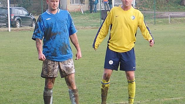 Stanislav Vlček (ve žlutém) se střelecky z Neveklovem neprosadil.