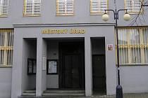 Majetek Městského úřadu Benešov je v exekuci.