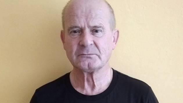 Rozhodčí Zdeněk Grund byl hlavním zachráncem života sedmadvacetiletého Tomáše Macháčka.