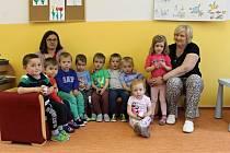 Mateřská škola v Bystřici: třída Kočičky, učitelka Adéla Chvátalová, asistentka pedagoga Klára Kabíčková.