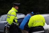 Policisté se zaměřili na kontrolu používání bezpečnostních pásů.