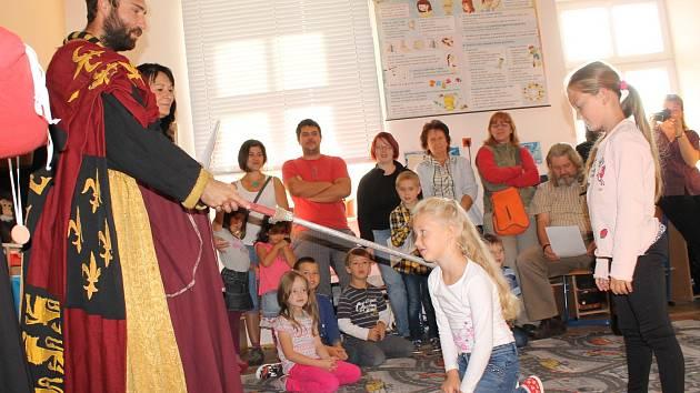 Slavnostní přijímání dětí do cechu školáků v ZŠ Teplýšovice.