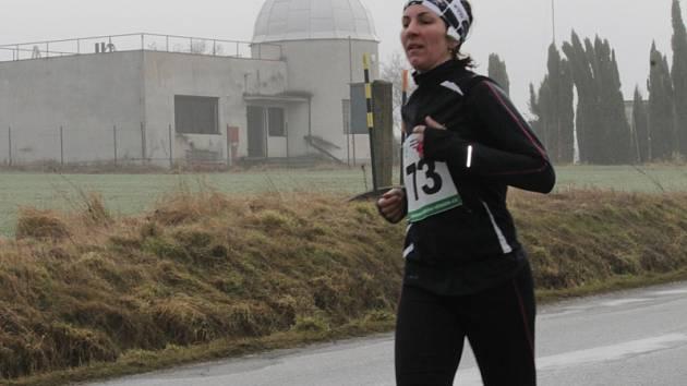 Ke 40. běhu z Vlašimi na Blaník se přihlásilo 227 běžkyň a běžců různých věkových kategorií.