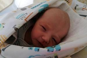 Vojtěch Pazderník se narodil 11.2. 2021 v příbramské porodnici. Po porodu vážil 2950 g a měřil 50 cm. S rodiči Nikolou a Jakubem Pazderníkem a sestřičkou Eliškou bude bydlet v Rožmitále pod Třemšínem.