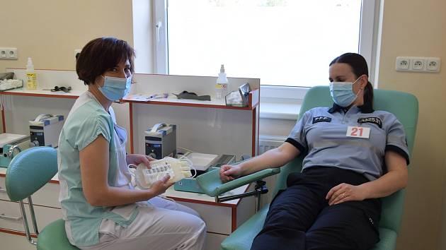 Darování krve na hematologicko-transfuzním oddělení Nemocnice Rudolfa a Stefanie v Benešově.
