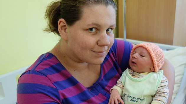 Nela Valentiková se rodičům Šárce Pýchové a Kevinu Valentikovi zVlašimi narodila 7. července 2019 v15 hodin a 3 minuty, vážila 3710 gramů a měřila 51 centimetrů.