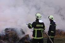 Požár stohu v Olbramovicích byl zpozorovaný ve čtvrtek 17. listopadu večer po 22.hodině.