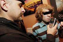 Kontrola mládeže na požívání alkoholu v restauračním zařízení.