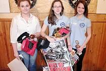 Nejlepší juniorky: zleva třetí Martina Zíbarová, první Denisa Dadová a druhá Nikita Dadová.