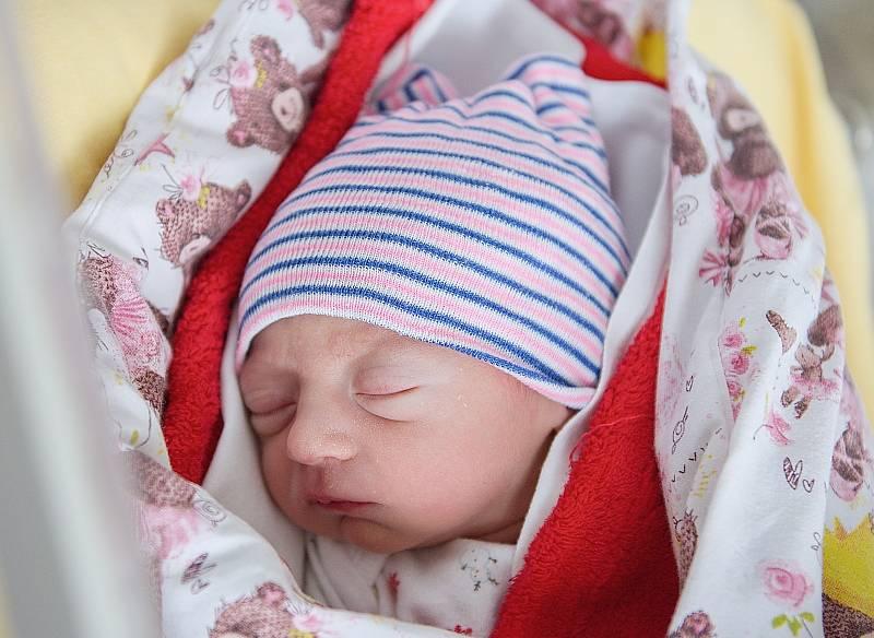 Madlen Šalounová se narodila v nymburské porodnici 5. května 2021 ve 23.15 hodin s váhou 2070 g a mírou 42 cm. Na holčičku se ve Stratově těšili maminka Veronika, tatínek Daniel a sestřička Leontýna (2 roky).