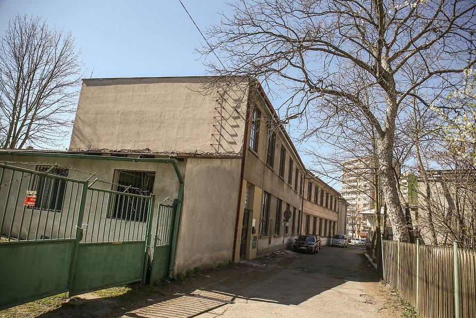 Bývalý průmyslový podnik v Tovární ulici.