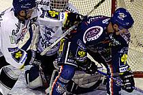 Jiří Kuchler byl ústřední postavou Kladna. Jeden gól dal, u jednoho asistoval a ještě clonil střele Zdeňka Nedvěda, která skončila v levém horním rohu Pruskovy svatyně.