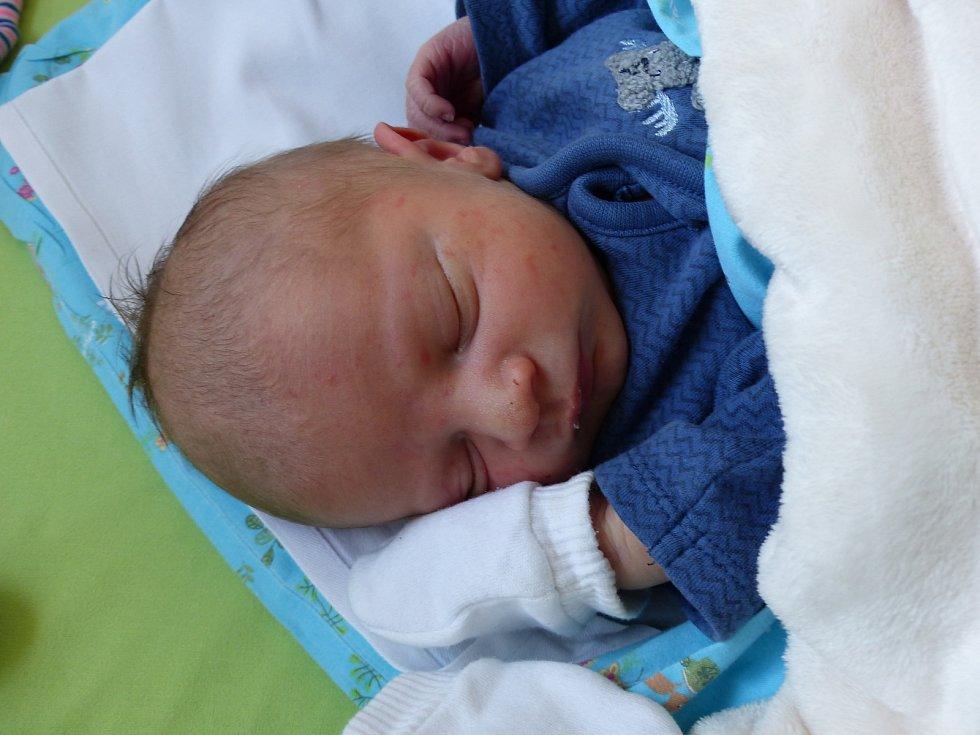 Filip Ryšavý se narodil 29. března 2021 v kolínské porodnici, vážil 2925 g a měřil 48 cm. Do Bojiště odjel s maminkou Petrou a tatínkem Pavlem.