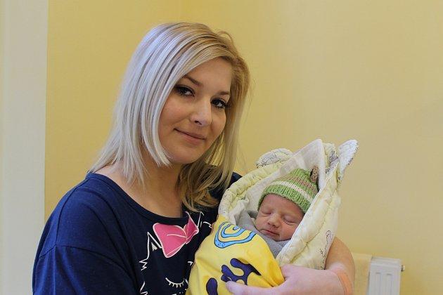 Malý David Zoubek se narodil 17. ledna v 10.50 hrdým rodičům Haně Machové a Karlu Zoubkovi. Na svět přišel s váhou 2,42 kg a s mírou 45 cm. Svého prvního synka si rodiče odvezou do Postupic.