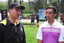 Ředitel turnaje Přemysl Novák (vlevo) a nejlepší hráč světa, Američan  Paul McBeth (25 let).