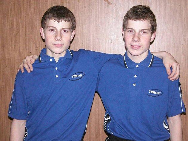 František a Marek Obešlovi táhnou prvoligové stolní tenisty Vlašimi