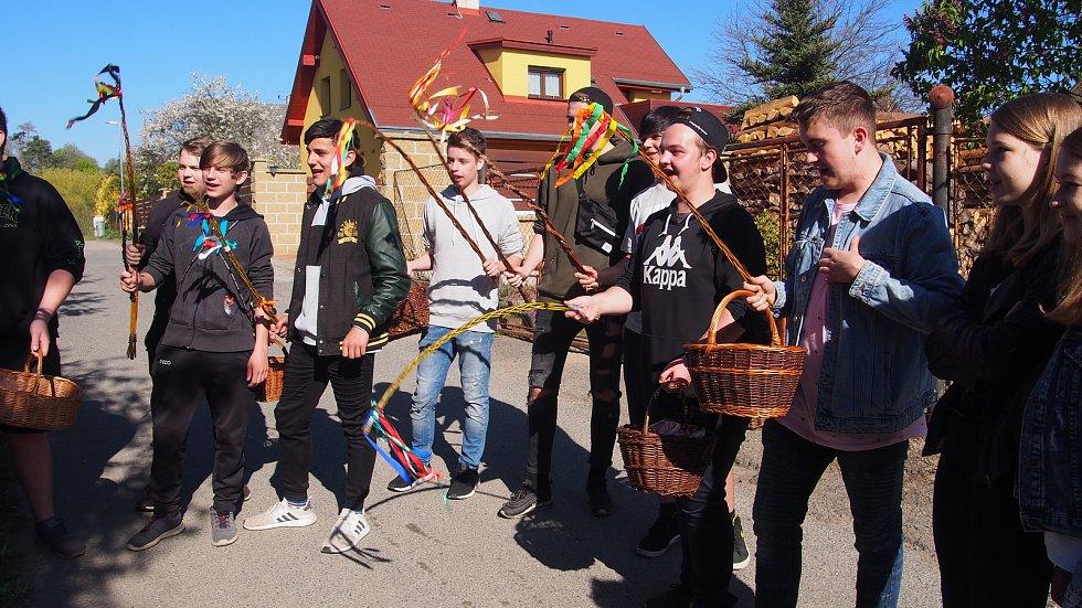 Velikonoční koledování v Peceradech.