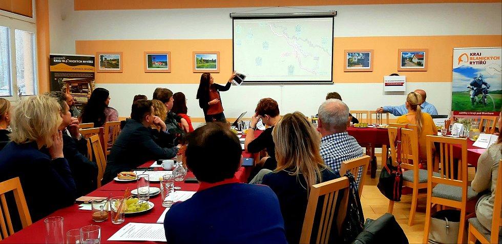 Anna van der Weerden při prezentaci projektu Rodinného pivovaru Švihov.
