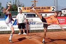 Mladá opora Šacung Matej Prachár (vpravo) má nominaci na letošní mistrovství světa juniorů v kapse.