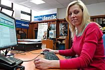 Policejní mluvčí Diana Škvorová při on-line rozhovoru v redakci Benešovského deníku.