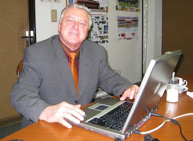 František Havránek v redakci Benešovského deníku při on-line rozhovoru