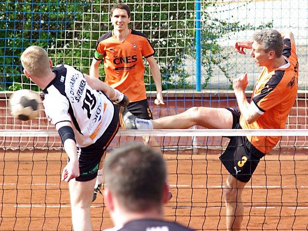 Trojkové výkony zkušených Makary a Kadeřábka na podprůměrného soupeře nestačily, i proto benešovský Šacung padl v Českých Budějovicích.