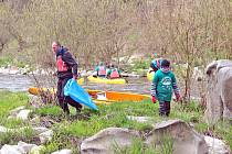 Čtrnácté uklízení řeky Sázavy se uskutečnilo v roce 2019.