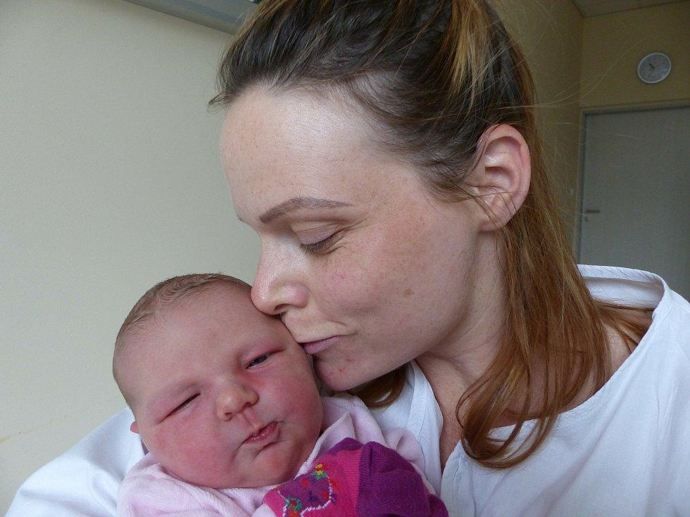 Bedřiška Šourková se narodila 11. dubna 2021 v kolínské porodnici, vážila 3890 g a měřila 52 cm. Do Kozojed odjela se sestřičkou Vivien (3.5) a rodiči Veronikou a Petrem.