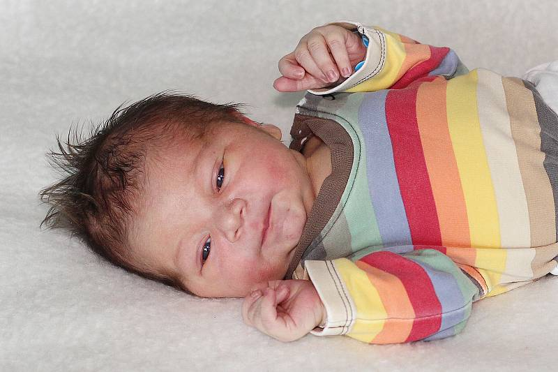 Bartoloměj Strnad se narodil 14. července 2021 v Příbrami. Vážil 3570g. Doma v Dubenci ho přivítali maminka Linda a tatínek Martin.
