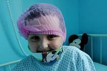 Toník se po operaci, o kterou se postaral primář Josef Štěpánek, cítí moc dobře a konečně může volně dýchat.