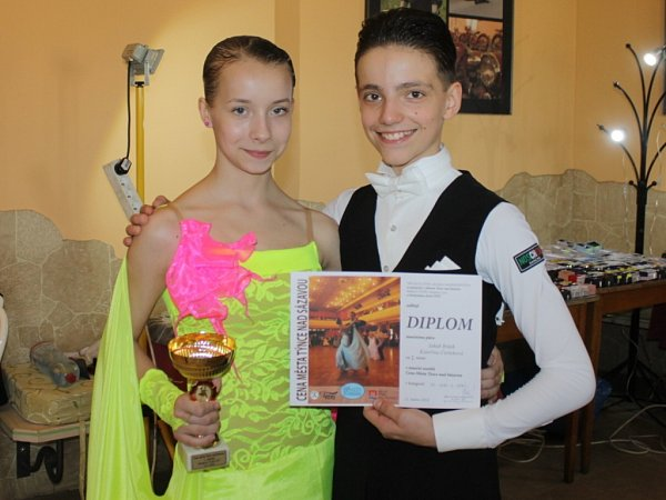 Taneční liga juniorů a mládeže je soutěž výběrového řízení, kterou ve spolupráci směstem Týnec nad Sázavou, Společenským centrem Týnec Taneční škola Salta pravidelně pořádá.