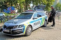 Policejní automobil prvosledové hlídky.