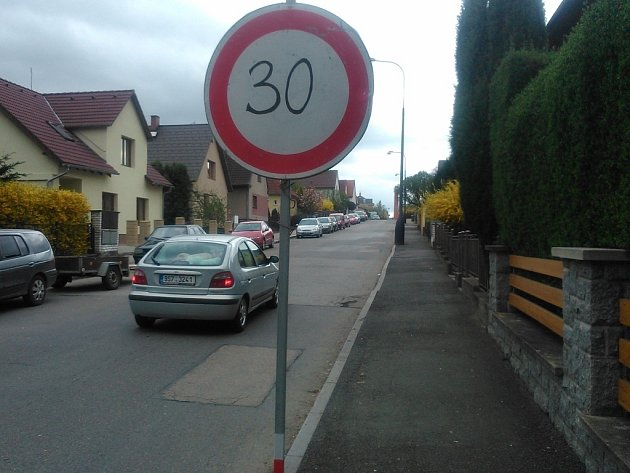 Tuto značku je možné vidět v Purkyňově ulici v Benešově.