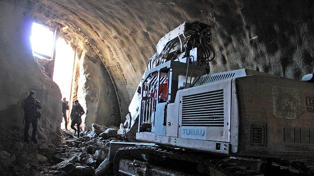 Slavnostní prorážka jižního portálu tunelu Deboreč