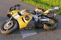 Motocykl, fenomén léta a dopravní prostředek, na němž se umírá.