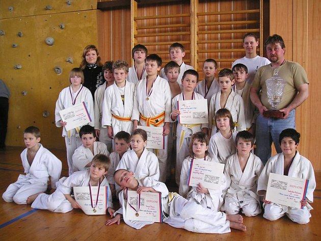 Výpravě judistů SKP Benešov se v Berouně velmi dařilo a s velkým náskokem na turnaji zvítězila